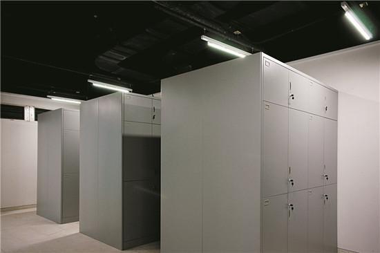 文物柜间架设LED灯具实际效果图