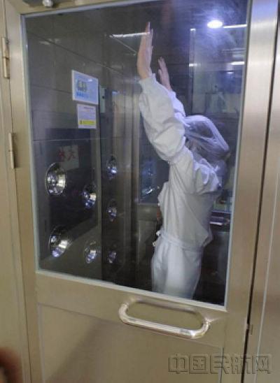 民用航空食品生产都得经过风淋室